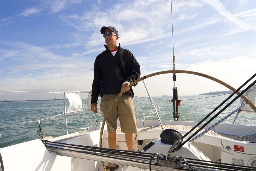 Как управлять яхтой